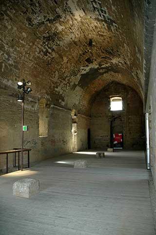 castillo gardeny interior