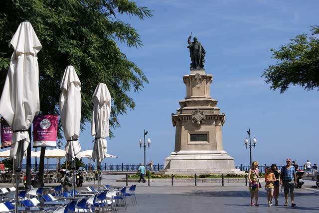 Estatua de Roger de Llúria (Tarragona) / Teresa Grau Ros